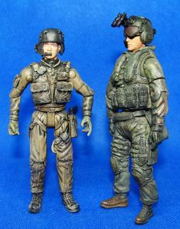 1:18 BBI Elite Force US Army Black Hawk Helicopter Crew Gunn