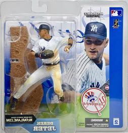 2002 McFarlane MLB Baseball Series 2 Derek Jeter Action Figu