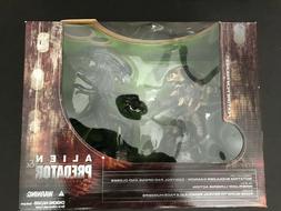 McFarlane Toys Alien and Predator Deluxe Boxed Set Movie Man