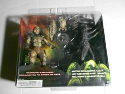 NECA ALIEN vs PREDATOR Toys R Us Exclusive Figure 2-Pack Aut