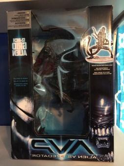 "AVP Grid Alien 12"" - Aliens vs Predator - Mcfarlane Toys - N"