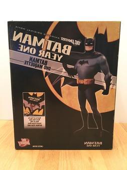 DC Direct Batman Year One Maquette NIB