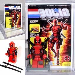 Deadpool Custom Mini Action Figure w Display Case Mini-figur