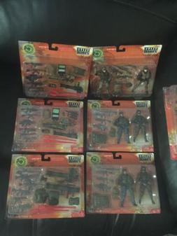 bbi elite force 1:18 Lot Of 7 Action Figures And Gear
