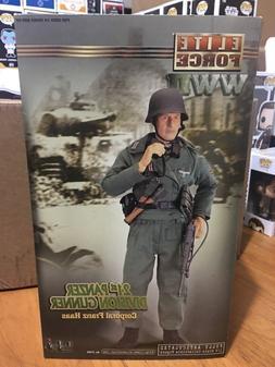 Elite Force Blue Box Toys BBI 1/6th German Panzer DIV. Gunne