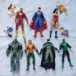 <font><b>18</b></font> CM Wonder Woman Batman Aquaman <font>