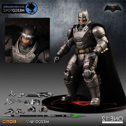 <font><b>MEZCO</b></font> Armor <font><b>Batman</b></font> O