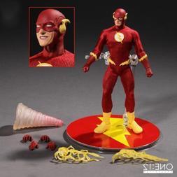 <font><b>Mezco</b></font> Super Hero Flash & Zoom One:<font>
