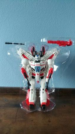 Hasbro IDW Revolution SDCC 2017 Transformers Jetfire Action