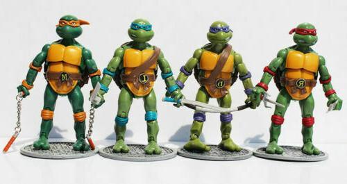 4 Ninja Figures w/Base Mickey Ralph