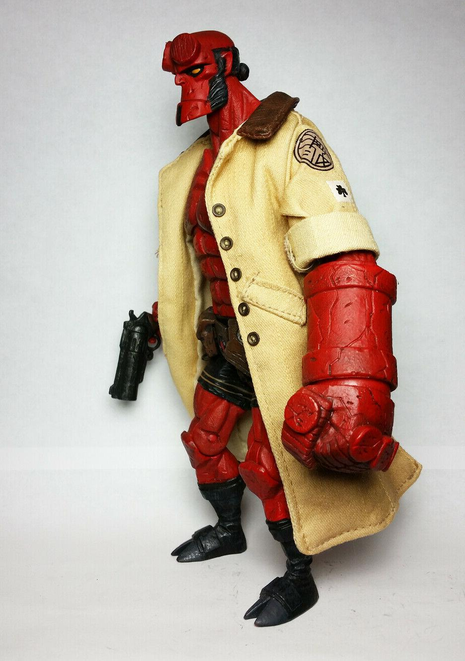 Mezco with Floating Action Figure 2006 SDCC