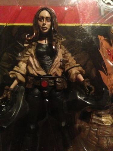 Hellboy Book Sherman Mezco Art Mignola Ultra