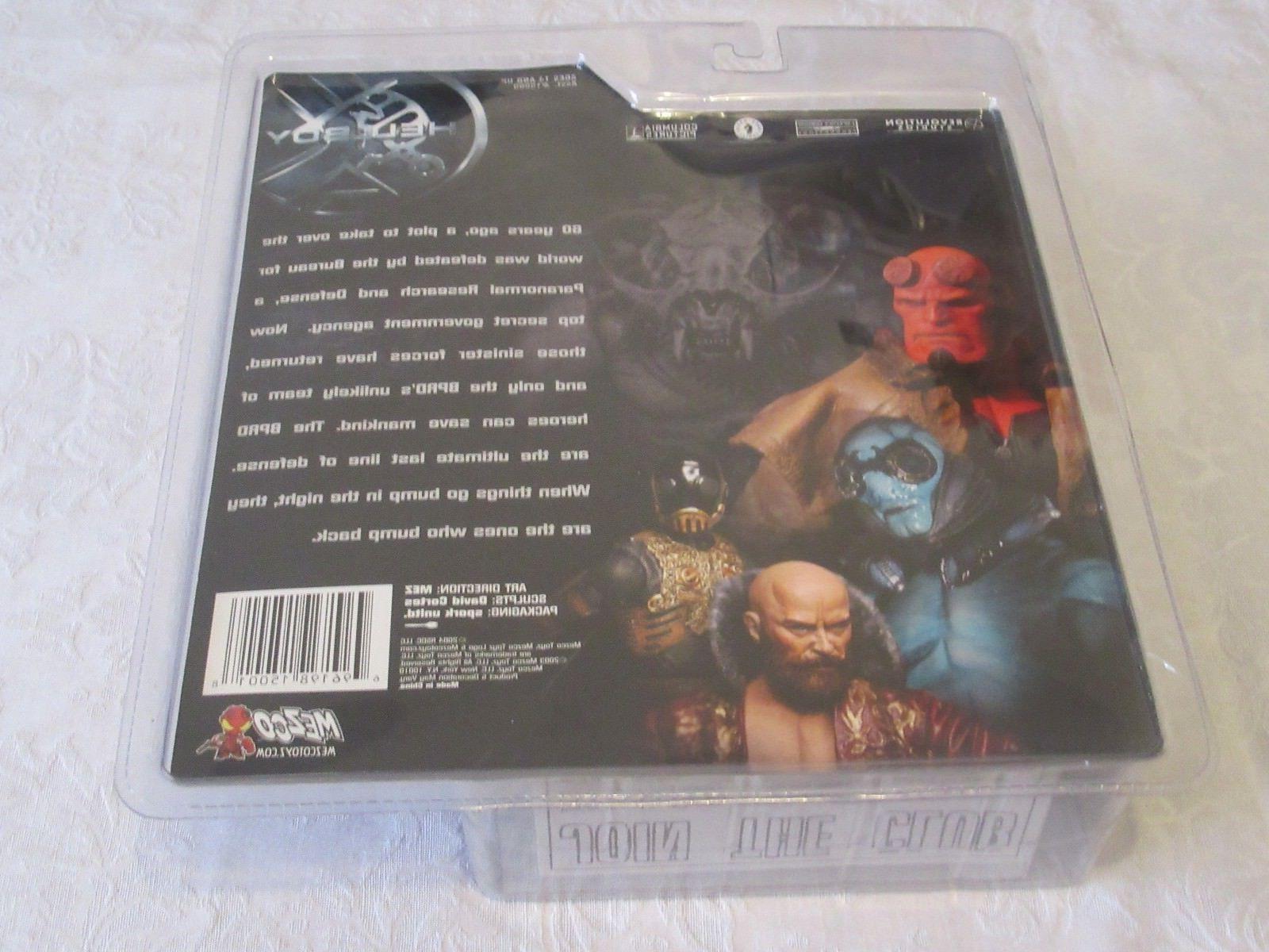 Mezco Hellboy Open With Black Shirt No Jacket Action