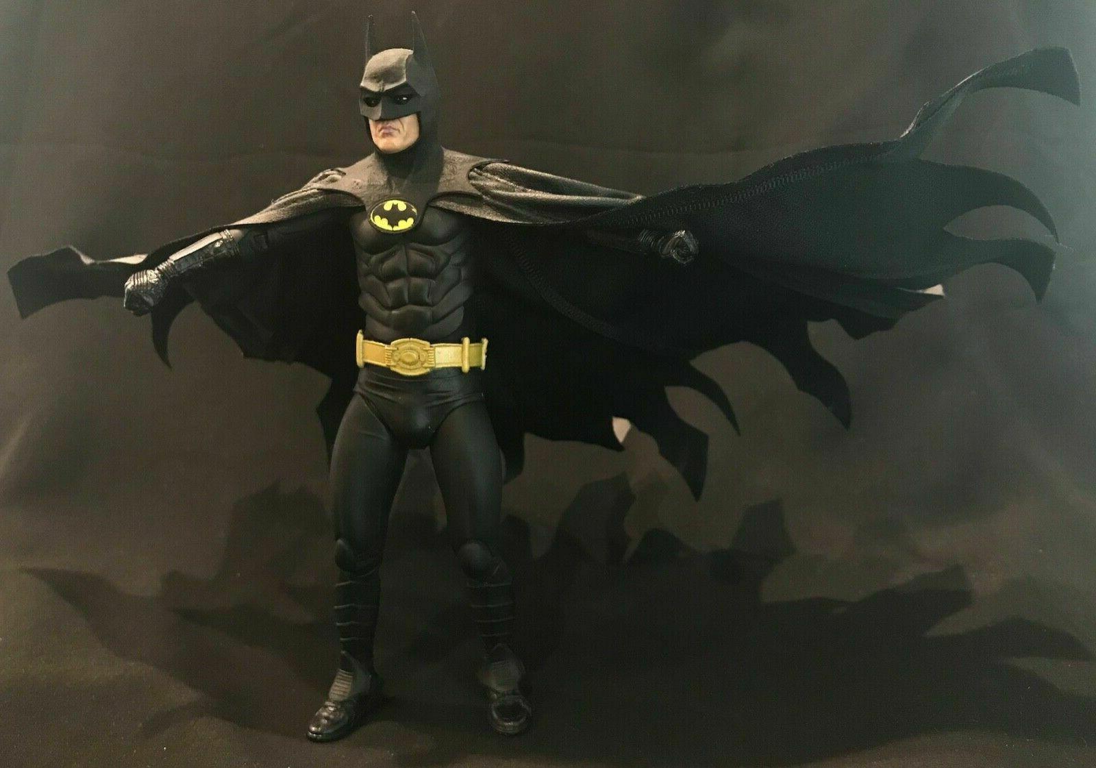 KC-BAT-DVC: Black Wired for Mezco Batman