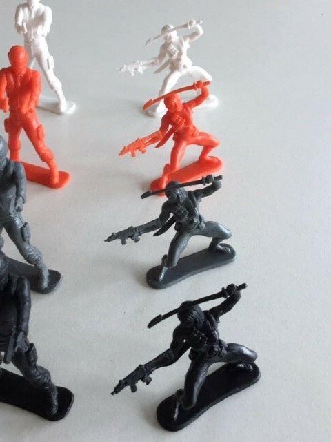 M.O.F.O.s Occupations plastic assassin men figures