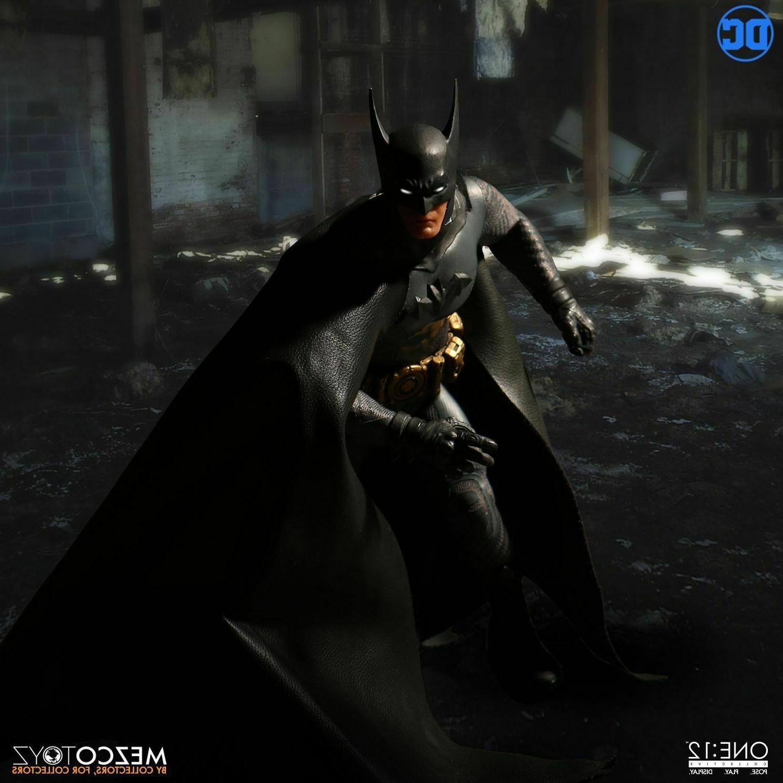 Mezco Knight Batman *New
