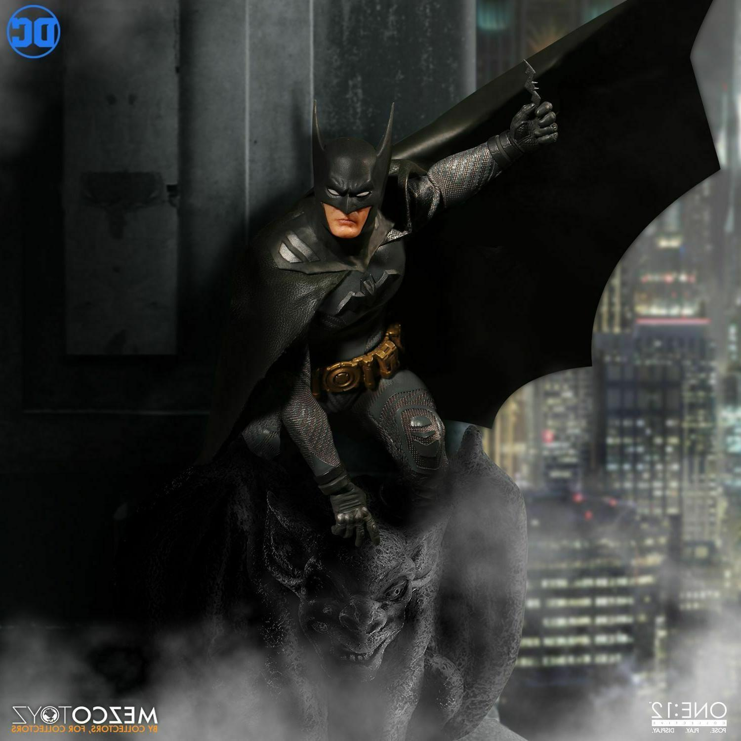 Mezco One:12 Collective Ascending Knight Batman *New Sealed