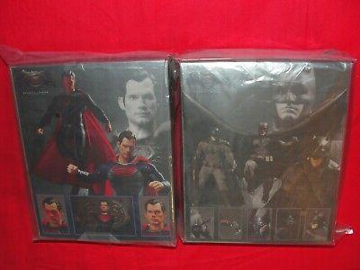 Mezco Collective V Superman Figure Set