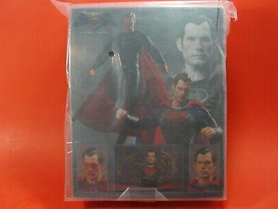Mezco One:12 V Superman 2 Figure Set