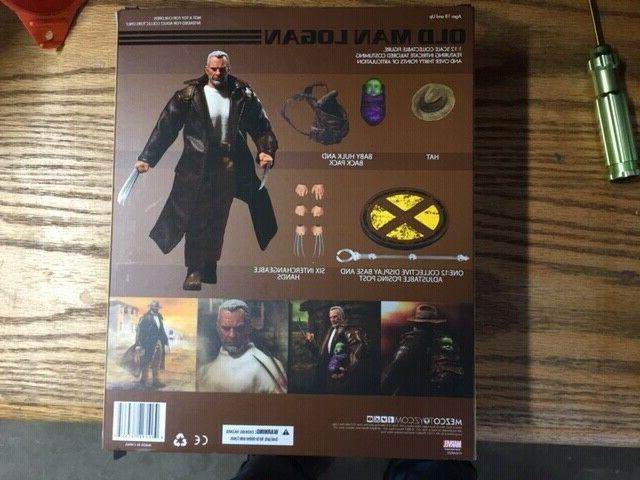 Mezco COLLECTIVE Old Man Logan wolverine action