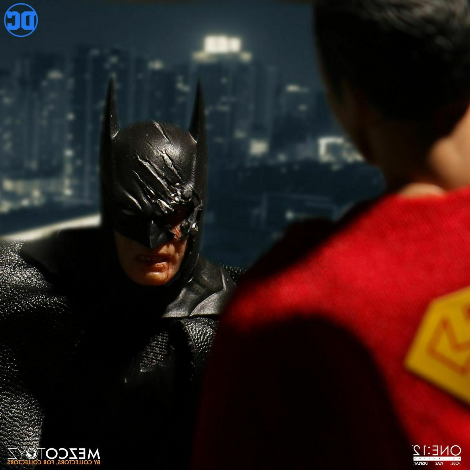 Mezco Collective Comics BATMAN SOVEREIGN KNIGHT Action In