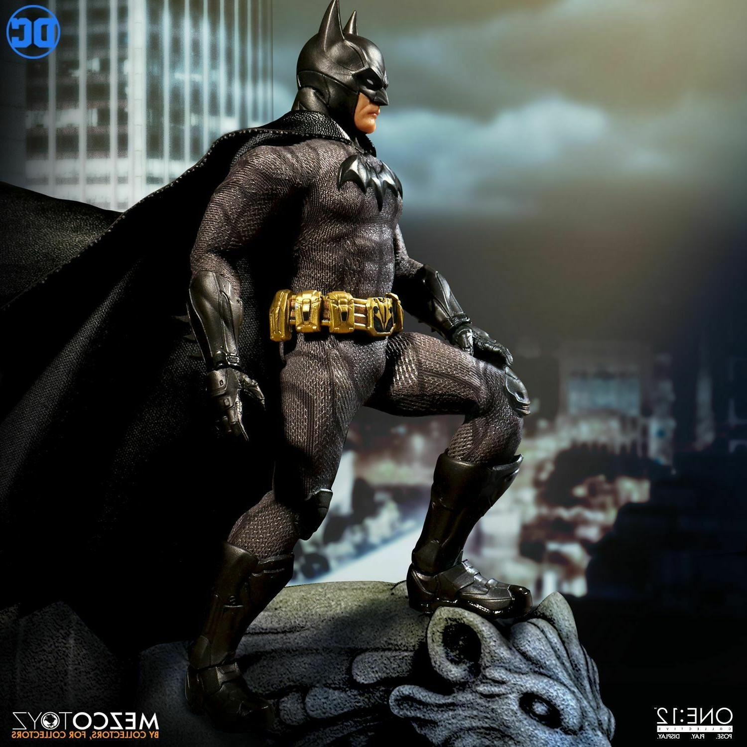 Mezco One12 DC Comics BATMAN Action