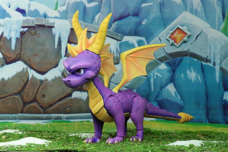 """Spyro Dragon 7"""" Scale - -"""