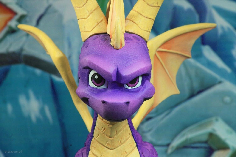 "Spyro Dragon - 7"" Scale Action -"