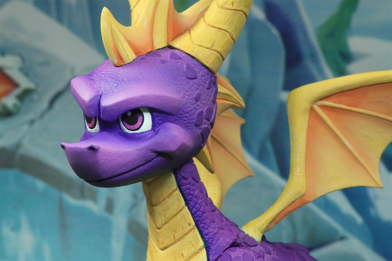 """Spyro 7"""" - NECA"""