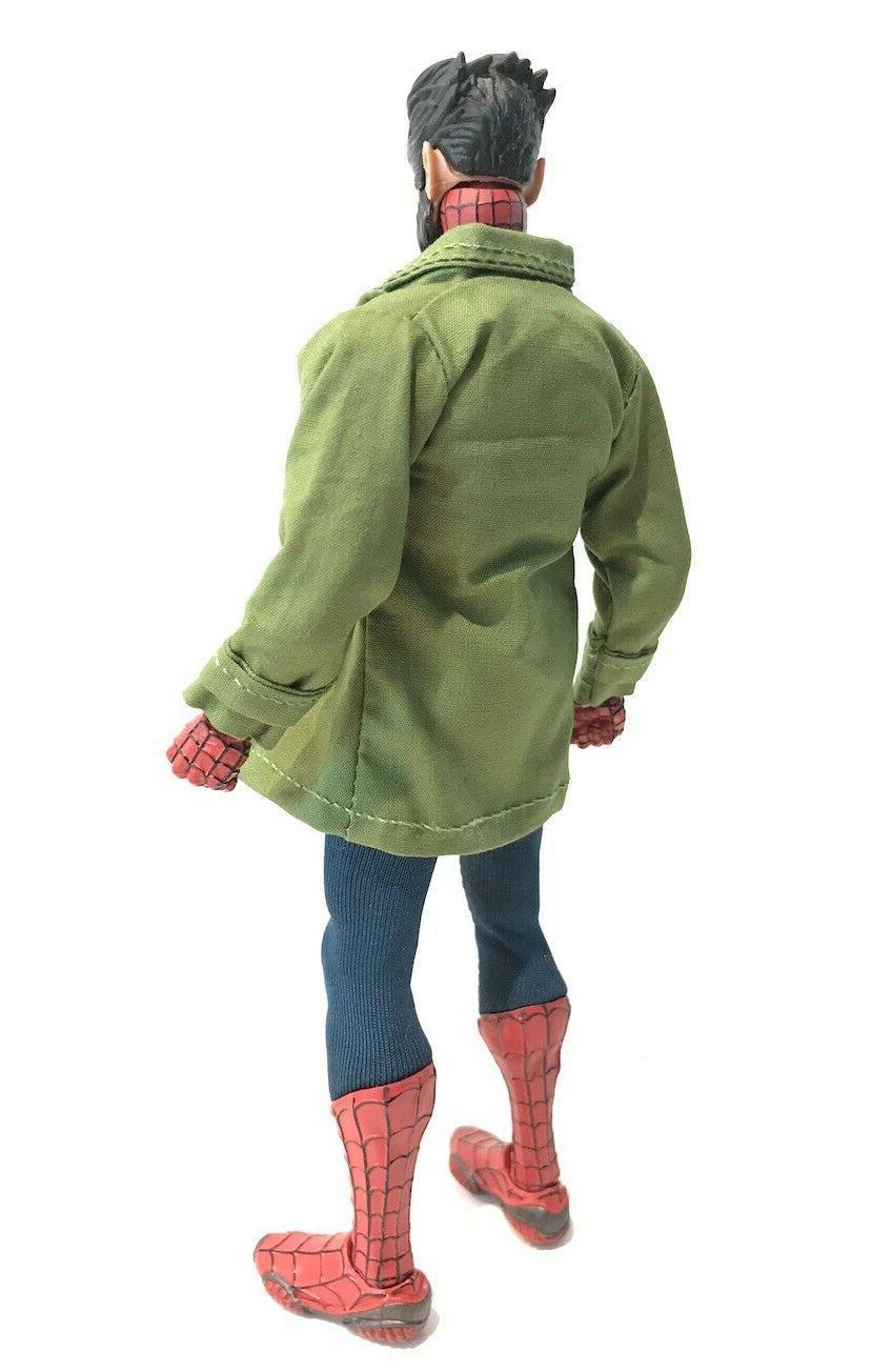 SU-LTC-PGN: Green Jacket Marvel Mezco Spiderman