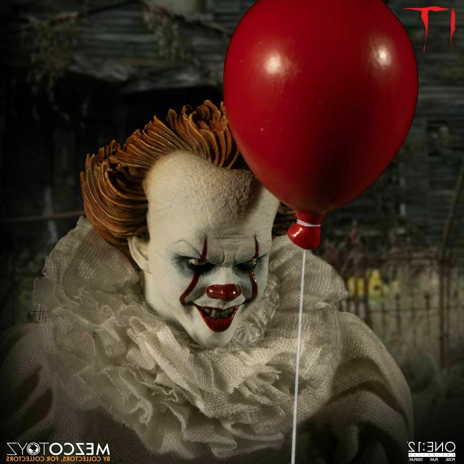 Mezco Collective 2017 Pennywise 1/12 Scale Action Figure In