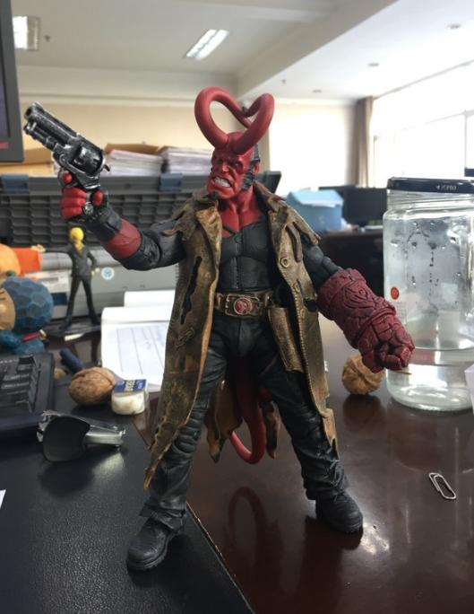Toy Hellboy Battle Ver. Collection