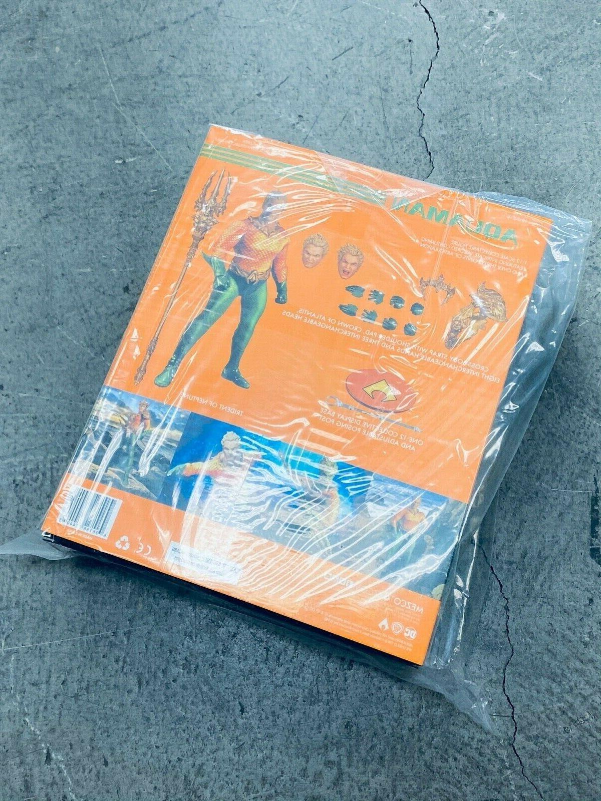 WC77440: MEZCO ONE:12 COLLECTIVE DC Aquaman 6