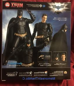 Medicom Mafex Batman Begins Suit Action Figure Batarang Stan