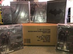 "MEZCO ONE 12 COLLECTIVE Batman Sovereign Knight 6"" IN STOCK"