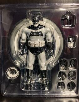 Mezco One:12 ToyFair TF Exclusive TDKR B&W Batman The Dark K