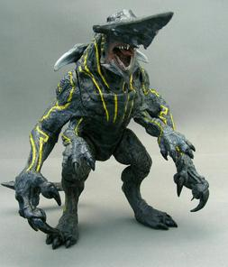 "Pacific Rim Series 3rd Kaiju Monster Knifehead 7"" Action Fig"