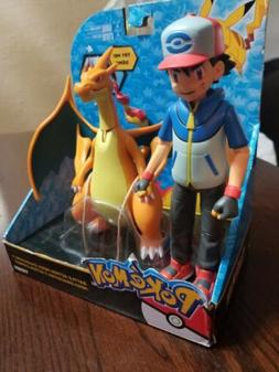 TOMY Pokemon Battle Action Mega Charizard and Ash Action fig